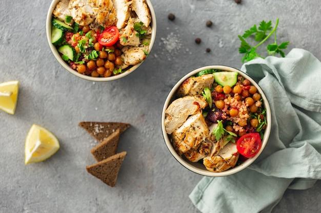 Tazones de comida saludable