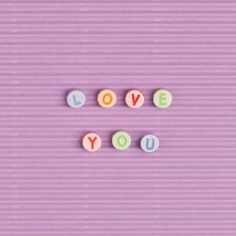 Te amo palabra tipografía alfabeto perlas