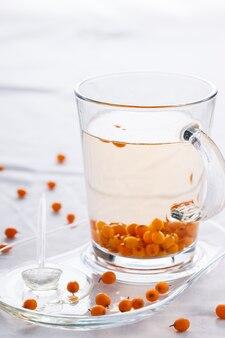 Té con espino amarillo y miel