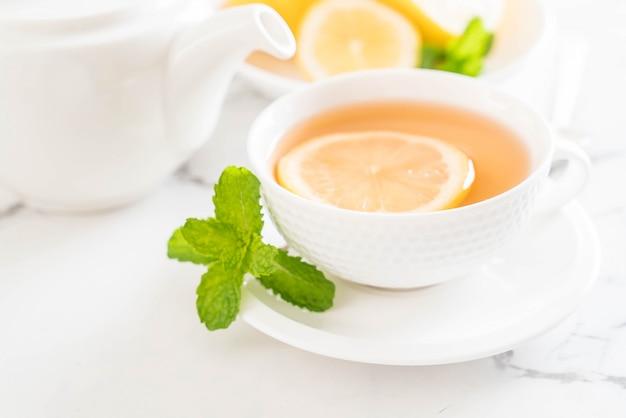 Té de limón caliente