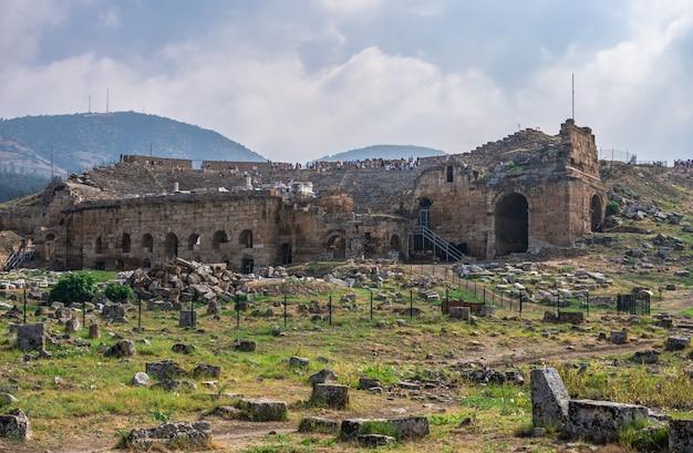 Teatro antiguo de hierápolis en pamukkale, turquía