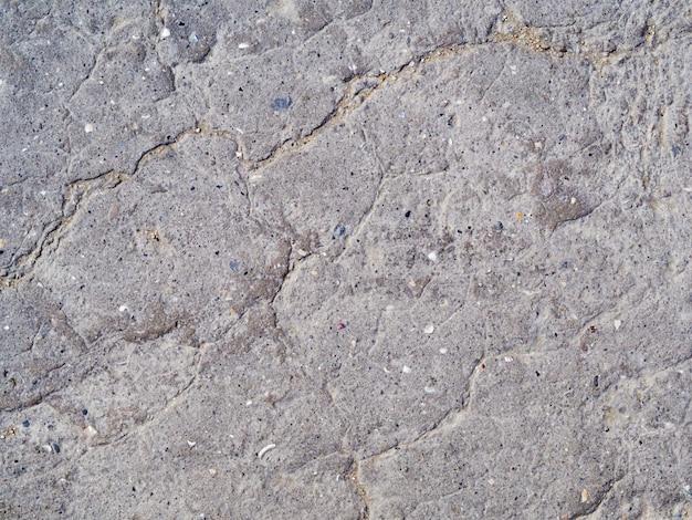 Techo de aislamiento dañado. textura de betún viejo dañado con craks