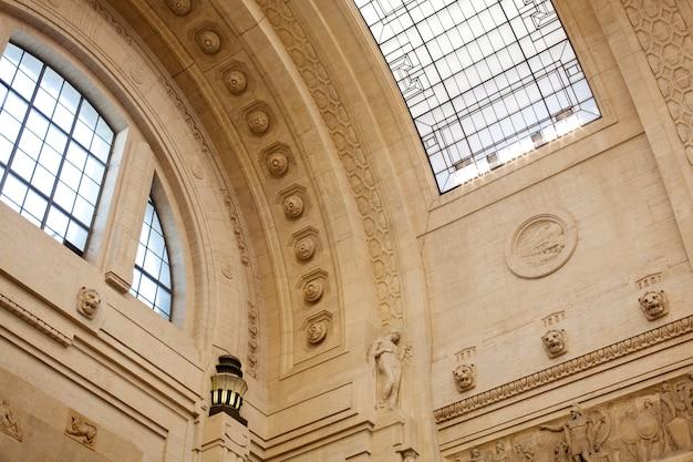 Techo, estación central de trenes, milán