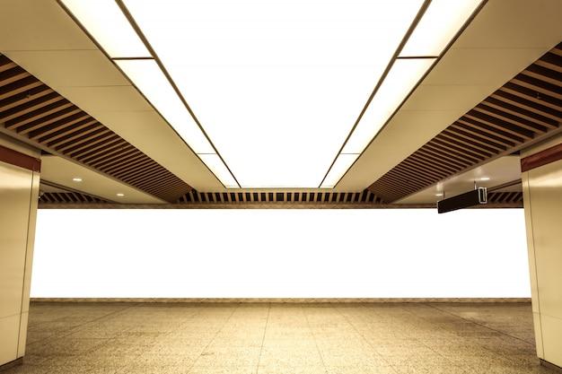Techo iluminado en el edificio
