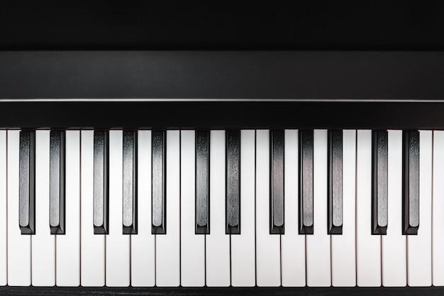 Teclas del piano. instrumento musical.