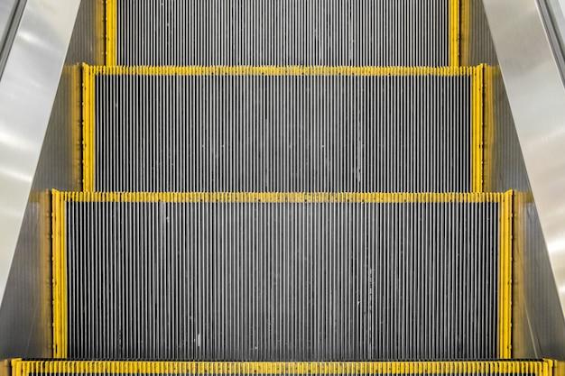 La tecnología de escaleras mecánicas avanza