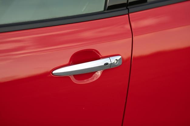 Tecnología moderna para desbloquear puertas de automóviles.
