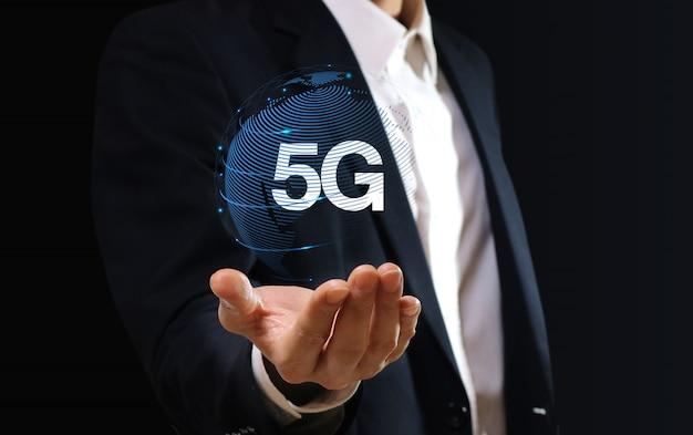 Tecnología de red 5g. concepto de negocio en internet.