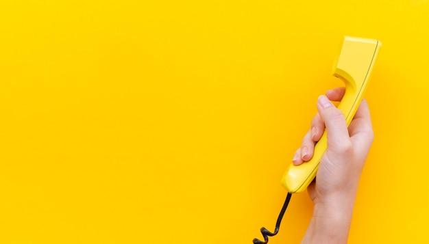 Teléfono de mano de primer plano