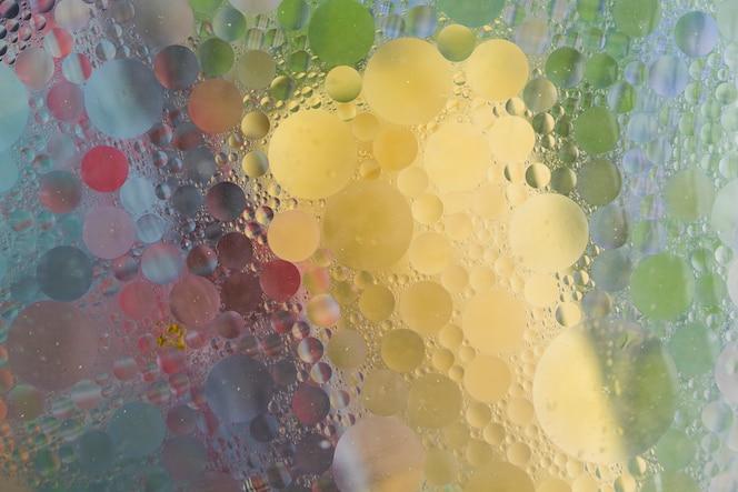 Telón de fondo abstracto con burbujas mojadas