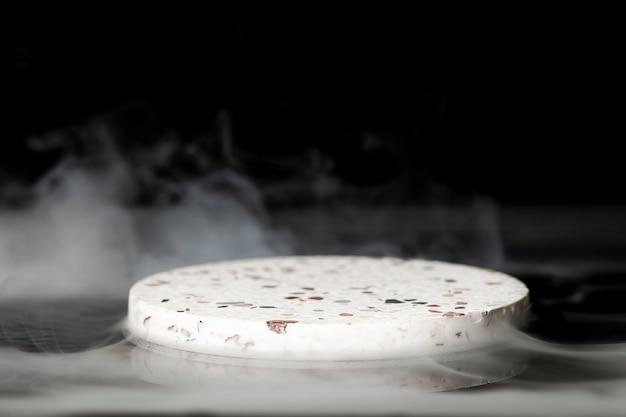 Telón de fondo del producto, diseño realista de humo cinematográfico.