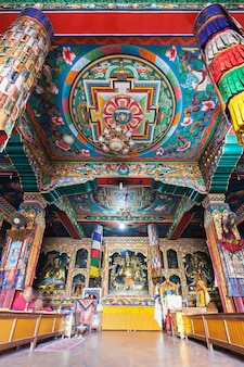 Templo budista interior