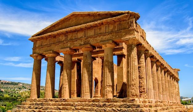 Templo de la concordia en agrigento, italia
