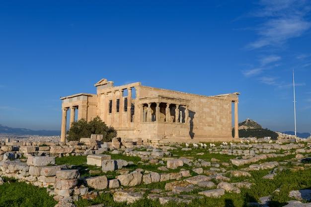 Templo del partenón en la acrópolis de atenas, grecia.