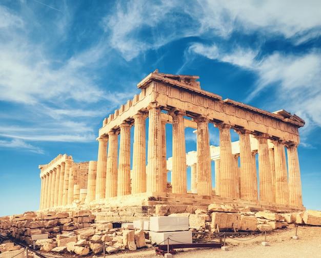 Templo del partenón en la acrópolis en atenas
