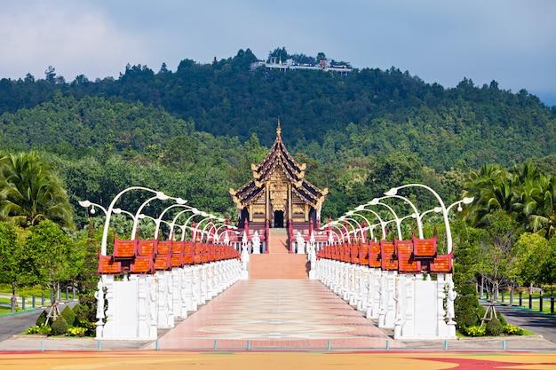 Templo royal park rajapruek en chiang mai en tailandia