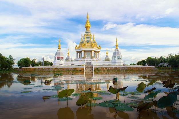 Templo en tailandia lugar de práctica