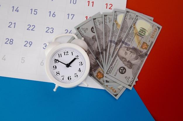 Temporada de pago de impuestos y concepto de fecha límite de cobro de deudas financieras