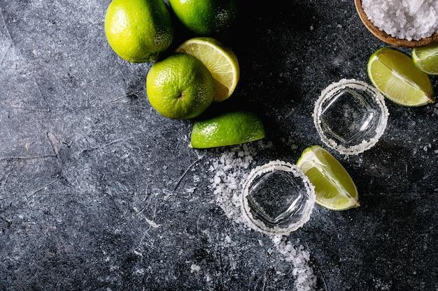 Tequila en un vaso