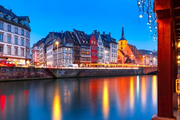 Terraplén de la mañana en estrasburgo, alsacia