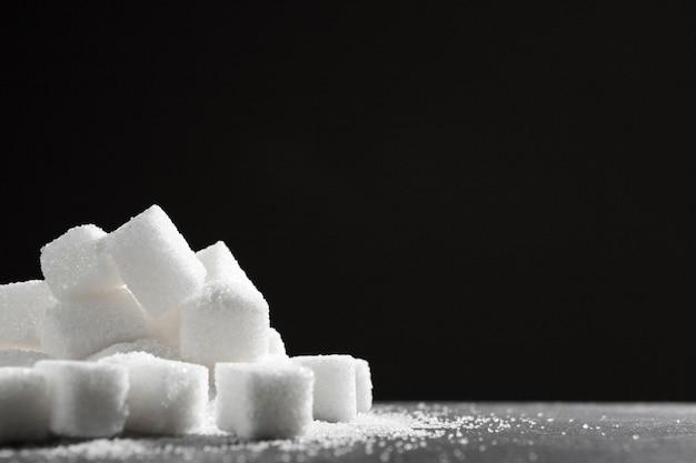 Terrones de azúcar blanco de cerca