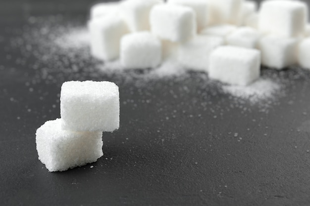 Terrones de azúcar blanco