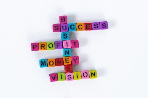 Texto de visión de dinero de beneficios de éxito empresarial