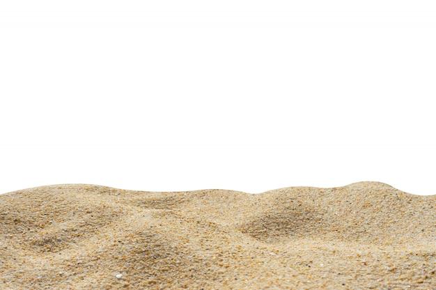 Textura de arena de playa aislada en blanco