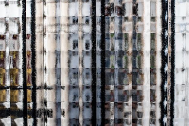 Textura de ventanas de vidrio mirando a través
