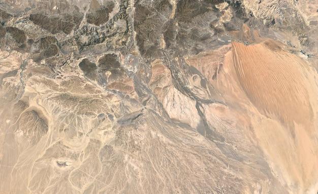 Textura de vista superior de satélite sobre emiratos árabes unidos