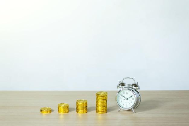 El tiempo, el ahorro, el tiempo es dinero. es hora de hacer crecer el negocio