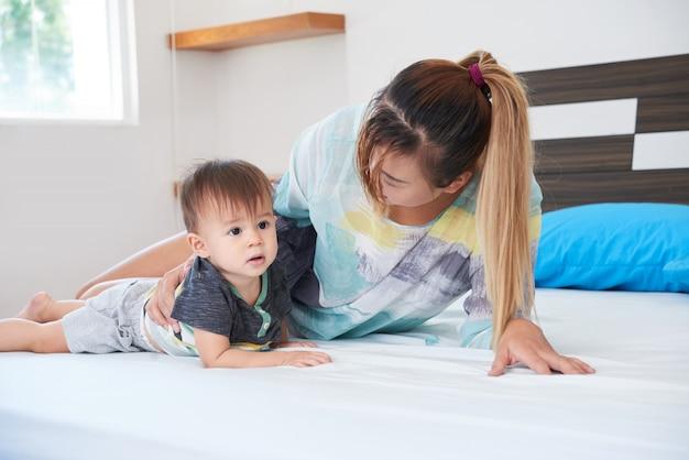 Tiempo en casa con niño