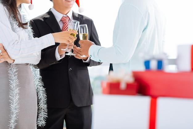 Tintineando en la fiesta