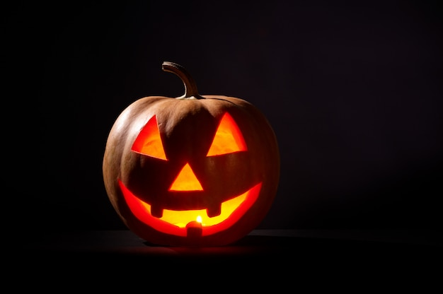 Tipo de calabaza de halloween en negro