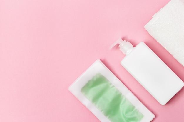 Tiras depilatorias verdes con efecto menta y refrescante