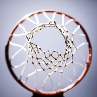 Tiro de aro de baloncesto desde arriba