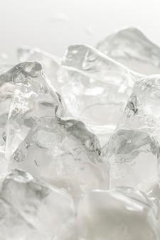 Tiro macro de cubitos de hielo