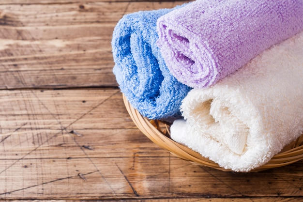 Toallas de jabón y accesorios de baño.
