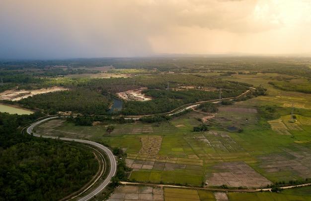 Toma aérea de la terraza del arroz. imagen del hermoso campo de arroz de la terraza