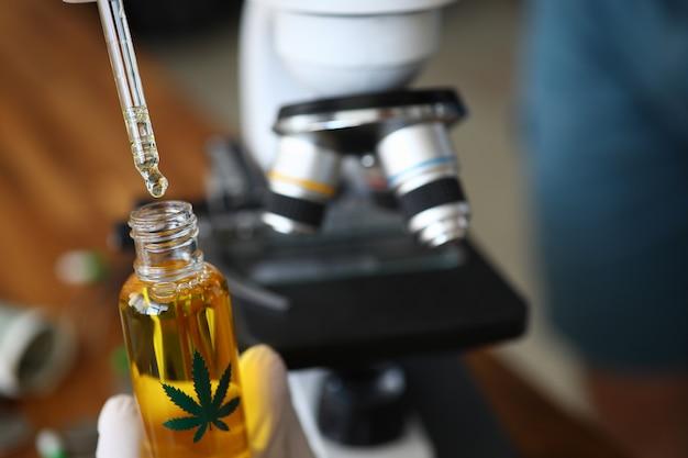 Tomando experiencia para la fabricación de productos farmacéuticos.