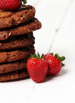 Torre de galletas de avena y bayas