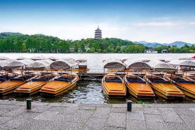 Torre leifeng, lago del oeste, hangzhou