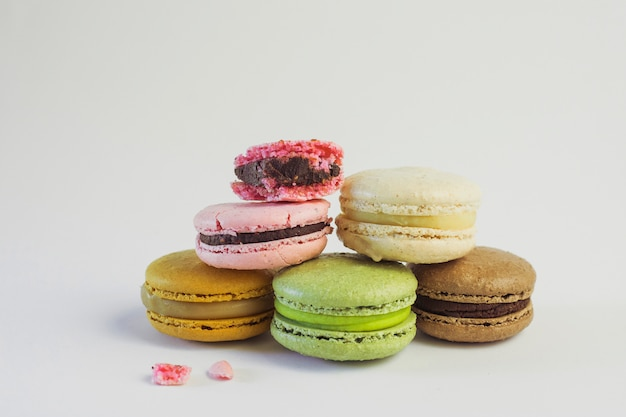 Torre macarons colores pastel