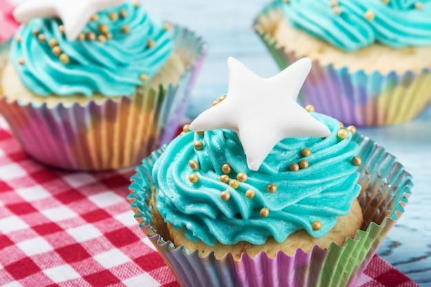 Tortas cupcakes para la celebración de navidad