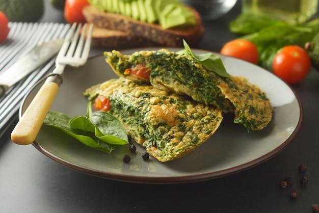 Tortilla con hojas de espinaca tortilla saludable para bajar de peso