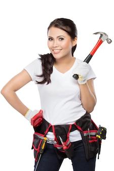 Trabajador de la construcción bastante joven