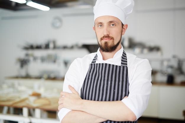 Trabajador de la tienda de panadero