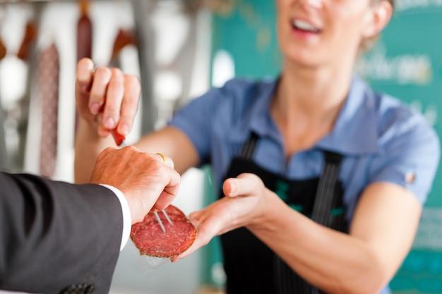 Trabajando en una carnicería