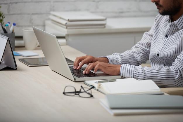 Trabajando en la computadora