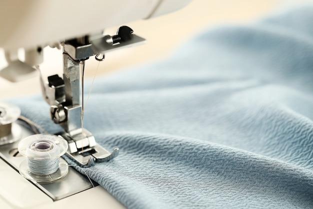 Trabajo de la máquina de coser